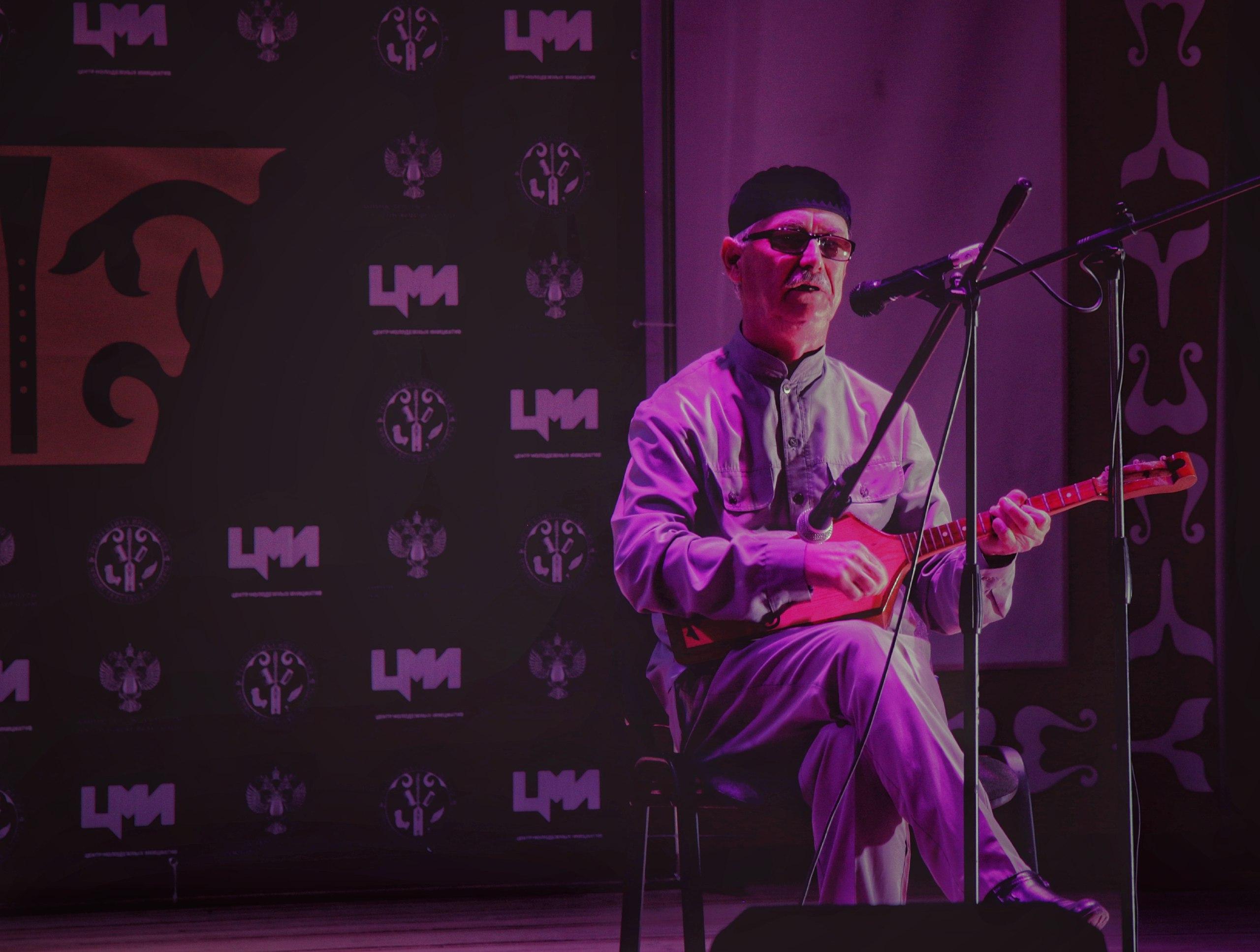Участники и финалисты Международного фестиваля-конкурса этнической музыки «Золотая зурна» продолжают проводить мастер-классы и концерты в культурных учреждениях региона